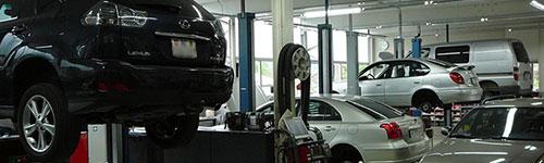 """flückiger Autohaus - In unserer hellen, modern eingerichteten Werkstatt werden alle Arbeiten """"rund ums Auto"""" von gut ausgebildeten Mitarbeitern fachmännisch und mit grösster Sorgfalt ausgeführt"""
