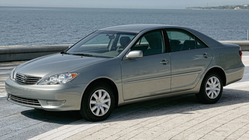 TOYOTA CAMRY 5. Generation (2001-2006)